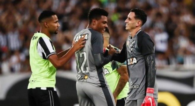 Gatito voltou em grande estilo no Botafogo 182abfc1c5922