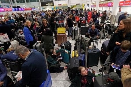 Incidente com drones afetou 140 mil passageiros