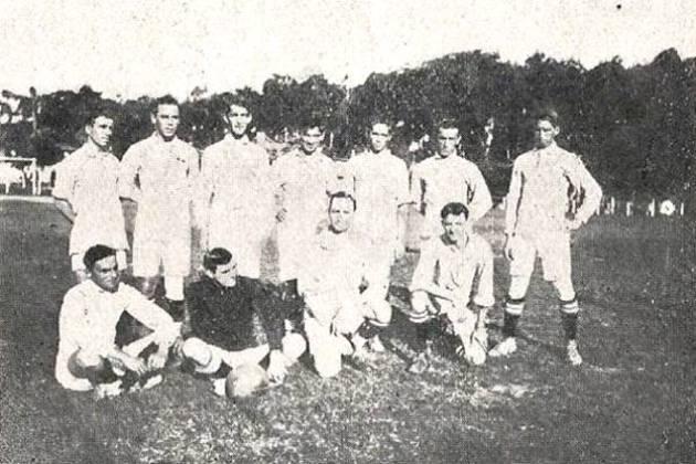 Gaúcho teve primeira edição adiada - Em 1918, o estadual gaúcho teria sua primeira edição, formada por três equipes: Brasil, de Pelotas, Cruzeiro-RS e 14 de Julho. No entanto, com o avanço da epidemia, a disputa não foi realizada e aconteceu somente em 1919, com o Brasil de Pelotas sendo campeão.