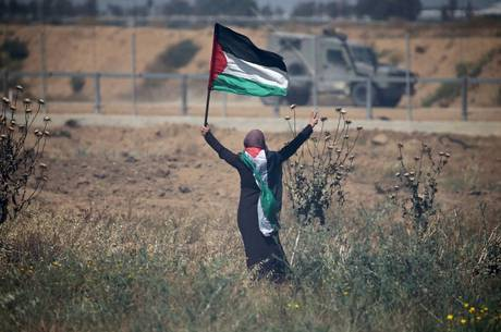 Tropas israelenses dispararam gás lacrimogêneo e balas de borracha