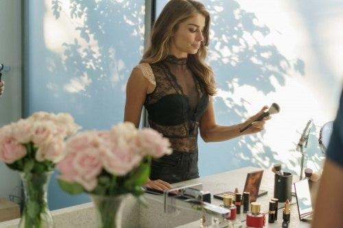 cb3b8a715 ... Grazi Massafera é a estrela de mais uma campanha da marca italiana de  lingerie Intimissimi.