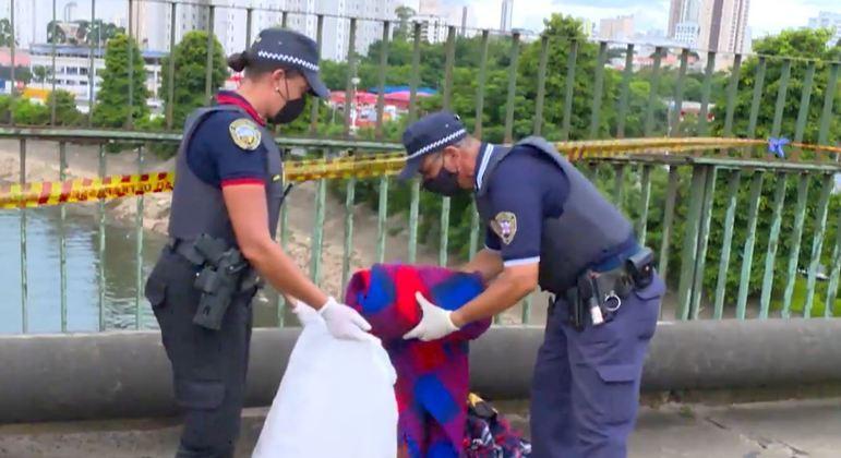Corpo de guarda é encontrado com sinais de violência em ponte do Tatuapé