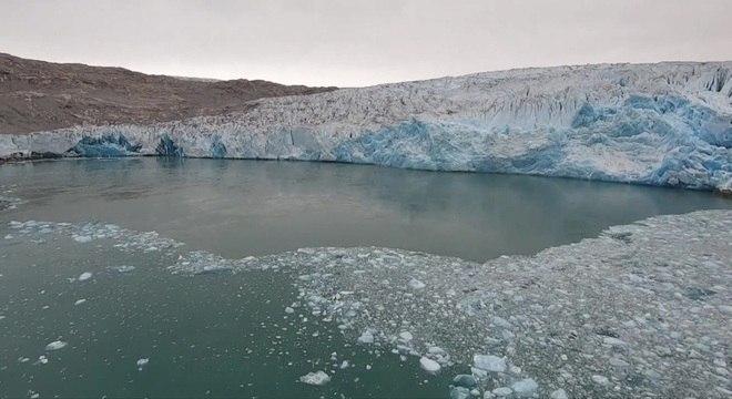 A elevação da temperatura global vem causando consequências no Ártico