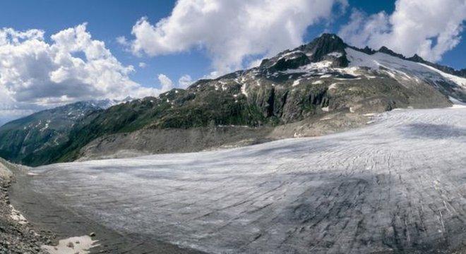 Geleiras em todo o mundo estão perdendo seu gelo rapidamente, apontam os cientistas