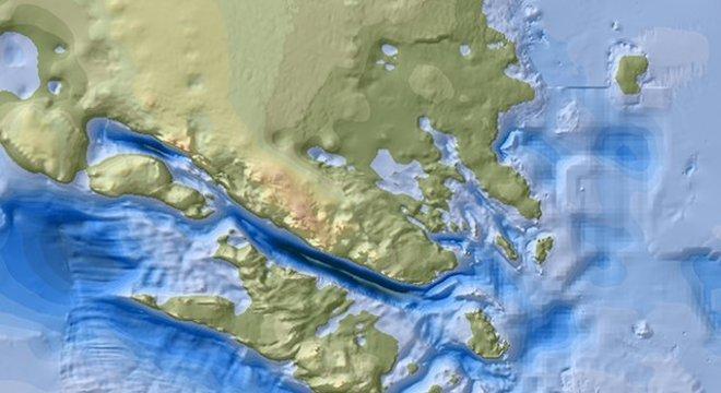 A área profunda de Denman (azul escuro) tem 20 km de largura e 100 km de comprimento - tudo cheio de gelo