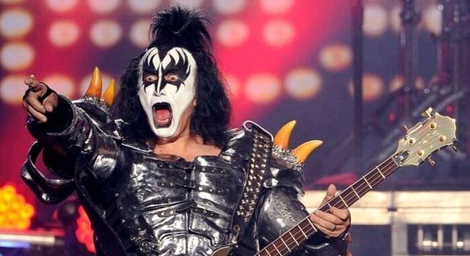 """Gene Simmons: """"Mick Jagger desmaiaria se fizesse o que eu faço no palco"""""""