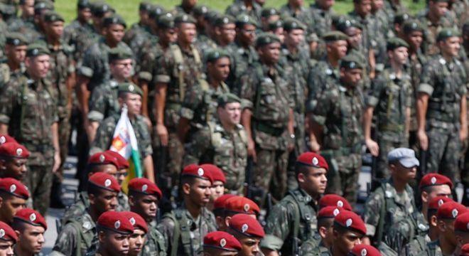 Generais da ativa elogiam comandante e citam líder integralista após ... b8d69791119