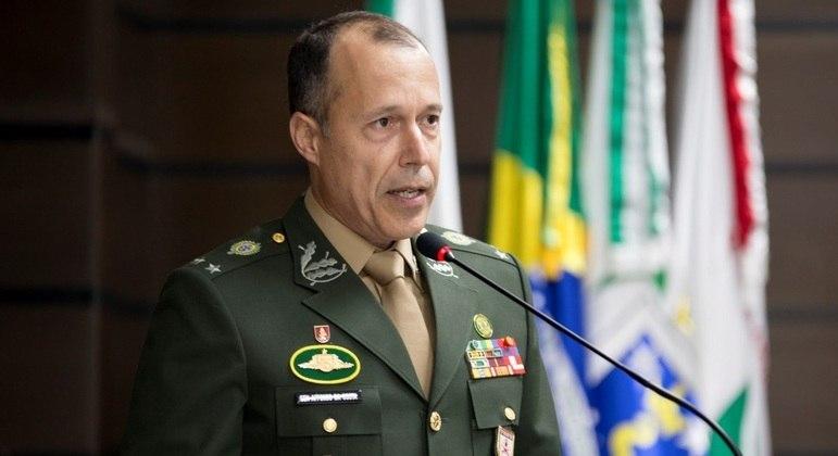 Ministério de Relações Exteriores comemorou a nomeação do general