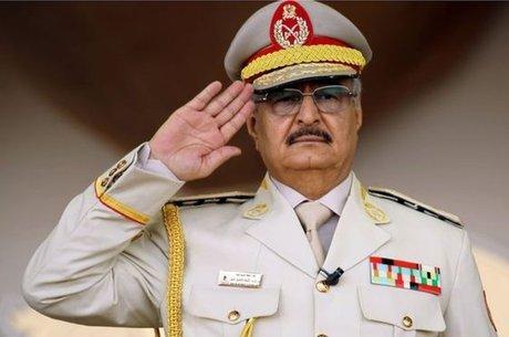 Depois de assumir o controle de Benghazi, Haftar voltou sua atenção para alcançar o cargo mais alto do país