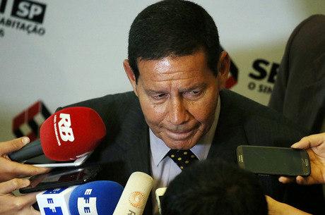 Vice de Bolsonaro disse que é contra a CPMF