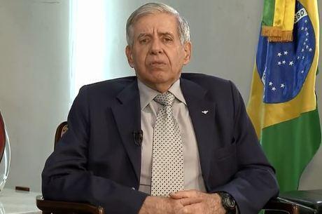 """Bolsonaro sempre foi contra o terrorismo"", diz Heleno"