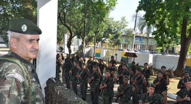 Ramos foi contemporâneo de Bolsonaro na formação militar e comandou missão de paz no Haiti