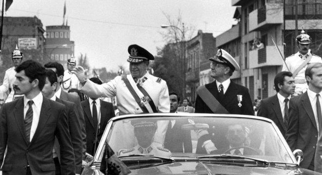 A ditadura de Augusto Pinochet durou de 1973 até 1990