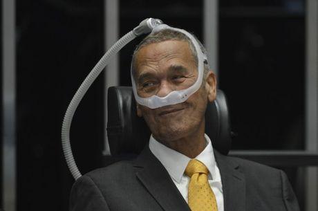 General Villas Bôas em sessão do Senado, em agosto