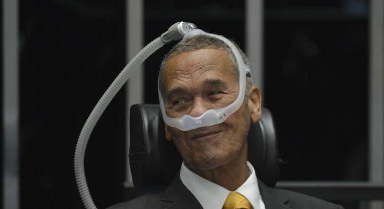 O general Villas Bôas em 2019, após receber alta hospitalar