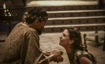 O rei Ibbi-Sim (Felipe Roque)ameaça Lilit