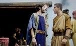 Abrão (Vitor Novello) flagra Adália (Cássia Sanches) com Naor (Daniel Blanco) e dá um sermão no irmão. Harã (Ricky Tavares) conta a Abrão sobre Sarai ser irmã deles