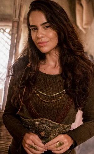 Harete (Eline Porto ): Completamente apaixonada pelo primo Ninrode, Harete sonha secretamente em ser sua mulher, mas não é correspondida.