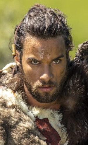 Ninrode (Pablo Moraes): Exímio caçador, forte e destemido, Ninrode se torna poderoso na Terra e almeja engrandecer seu nome ao projetar uma cidade e uma torre que chegue aos céus. O que ele desconhece é que o seu maior aliado pode se tornar o seu empecilho.