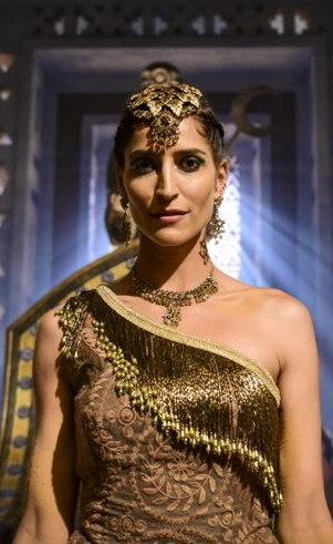 Enlila (Maria Joana): Poderosa e elegante, a excêntrica rainha não vai medir esforços em busca de atenção e admiração do rei Abi-Sim.