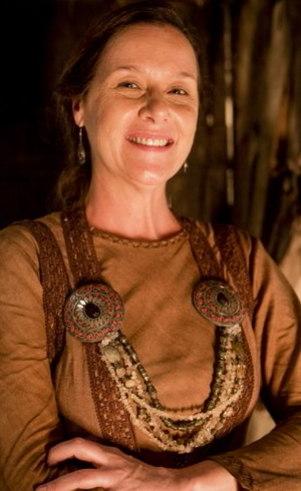 Jália (Gisele Reimann): Mulher de Mizraim e cunhada de Cuxe.