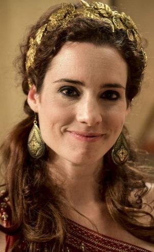 Ayla (Elisa Pinheiro): Apesar de casada com Ló e viver no abastado acampamento de Abraão, se sente frustrada por não ter moradia fixa. A oportunidade de realizar seu sonho aparece, mas junto vem o alto preço a pagar.