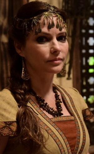 Ziva (Ana Paula Tabalipa): Esposa de Simei e mãe de Alom, Gate e Azel. Leva os filhos debaixo das asas e gosta de ter tudo sob seu controle, mas o que parece um atributo, na verdade é sua maior fraqueza.