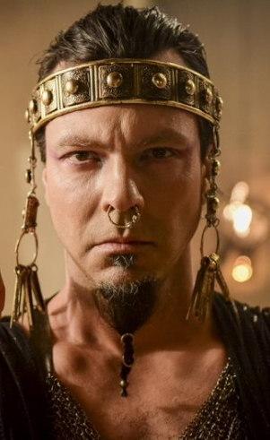 Sitri (Ricardo Martins): Um comerciante influente de Sodoma. Casado com Cloé e amigo de Ló. Seu jeito excêntrico de ser causa estranheza no acampamento de Abraão, mas também aguça a curiosidade de alguns pelo proibido.