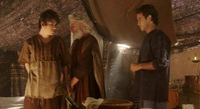 Como sinal dessa aliança, Ele pediu para que Abraão e todos os homens do acampamento fizessem a circuncisão