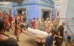 No cortejo fúnebre, feito com todas as honrariasoferecidas por Ibbi-Sim,Ur sente a perda de Harã e levantam uma estatueta em sua homenagem