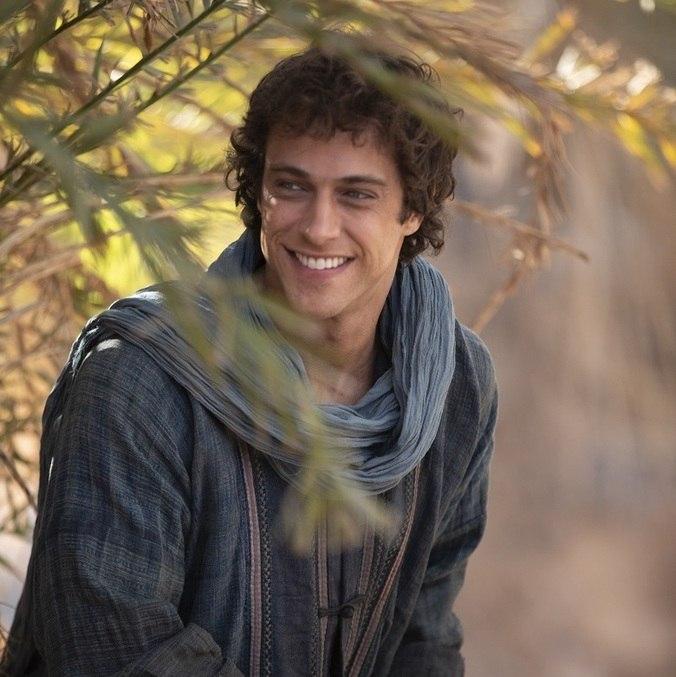 Ronny Kriwat interpreta Eliézer na novela Gênesis
