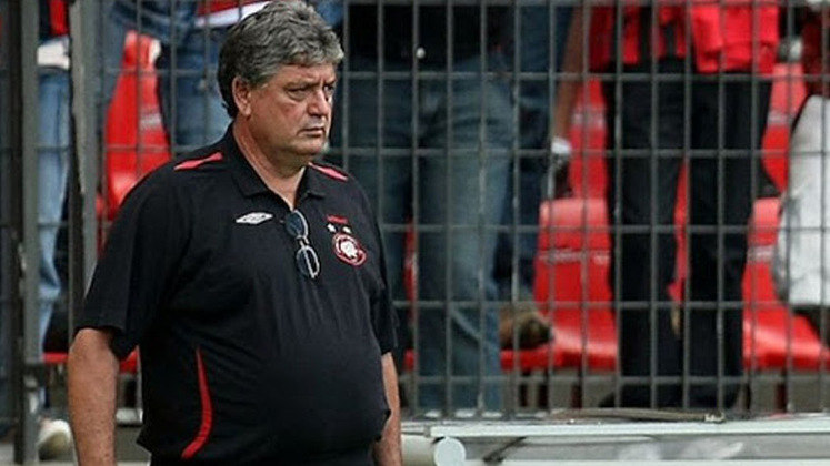 Geninho - Athletico-PR - 2011: Geninho deixou o Furacão com oito vitórias e um aproveitamento de 83%.
