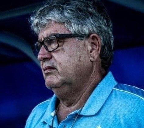 GENINHO: O técnico experiente está sem clube desde que deixou o Avaí, em dezembro de 2020