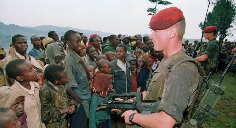 Militares franceses foram enviados a Ruanda somente no final de junho de 1994
