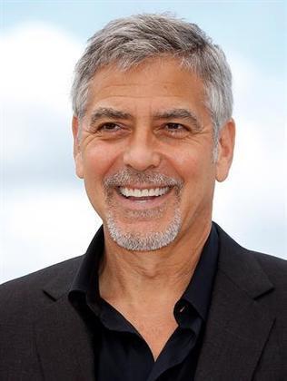 George Clooney é daquele tipo de astro de Hollywood que costuma tirar o fôlego não só quando passa pelo tapete vermelho do Oscar, mas também, quando surge nas telonas das produções cinematográficas que estrela. Nesta quinta-feira (6), o ator está completando 60 anos. E para comemorar a data, o R7 selecionou sete curiosidades sobre o ator