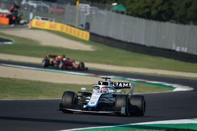George Russell sobreviveu a todos os incidentes e terminou o GP da Toscana