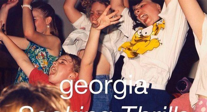 """Sob elogios da crítica, Georgia lança seu segundo disco, """"Seeking Thrills"""""""