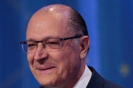Alckmin promete priorizar educação básica