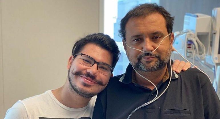 Apresentador da Record TV está internado desde o início de março em São Paulo