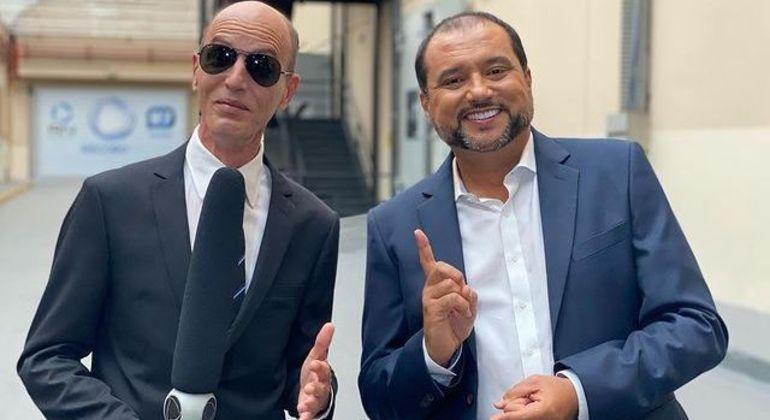 Rodolfo e Geraldo Luis pelos corredores da emissora, em São Paulo