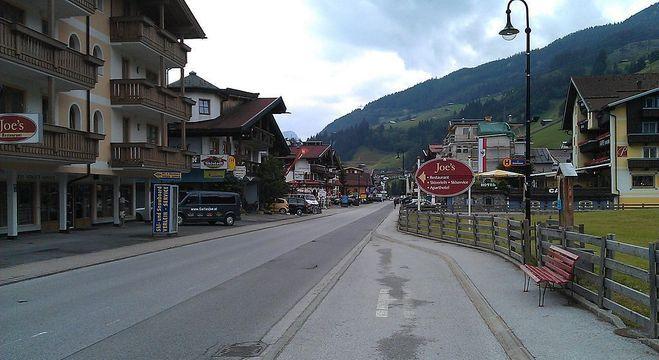 Áustria determina fechamento de  cafés, bares e restaurantes para conter pandemia