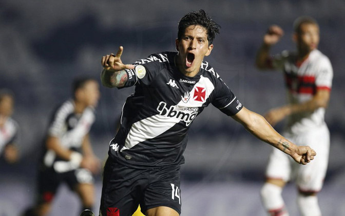 Germán Cano atua pelo Vasco. Ele é argentino