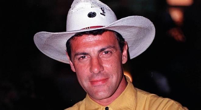 """Gerson Brenner no lançamento da novela """"Corpo Dourado"""", em 1998"""