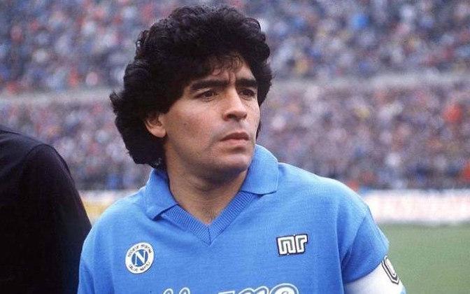 Gianinna Maradona, filha de Diego Armando Maradona, fez uma homenagem ao pai em sua rede social ao mostrar a foto de um portão com um desenho da lenda: