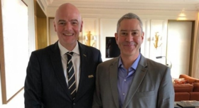 Gianni Infantino, presidente da Fifa, e Rogério Caboclo, da CBF