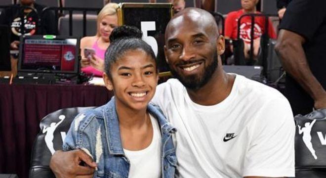 Gigi Bryant era constantemente filmada com o pai na primeira fileira do ginásio Staples Center ou jogando bola em alguma quadra