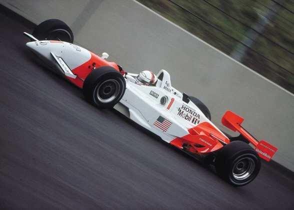 Gil de Ferran conquistou o título de 2001 da CART pela Penske