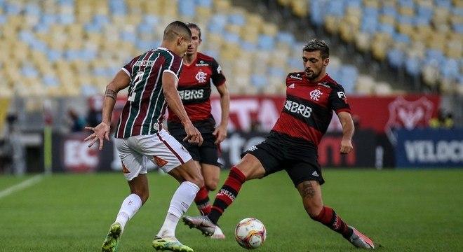 Nos jogos decisivos do Carioca, Jesus ficou impressionado com Gilberto