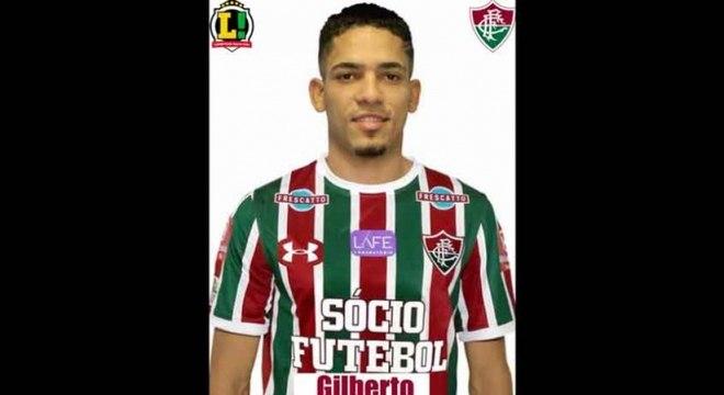 Gilberto - 4,5 - Apareceu algumas vezes na frente para ajudar o ataque do Fluminense. Teve trabalho para marcar Michael pelo lado direito da defesa do Tricolor.