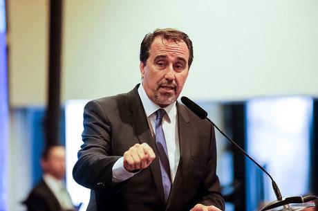 Resultado de imagem para ministro da Saúde Gilberto Occhi Mais Medicos